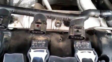 Отключаем клемму от катушки зажигания Volkswagen Passat B6 FSI