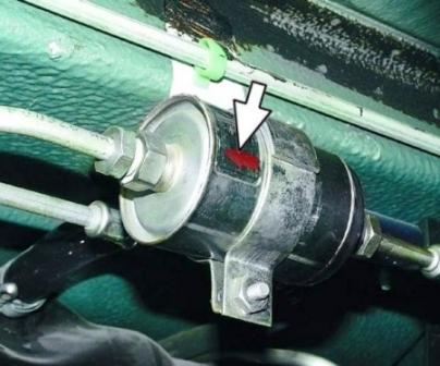 Устанавливаем новый топливный фильтр ВАЗ 2114