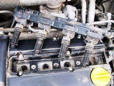 Снимаем катушки зажигания на двигателе Opel Corsa D