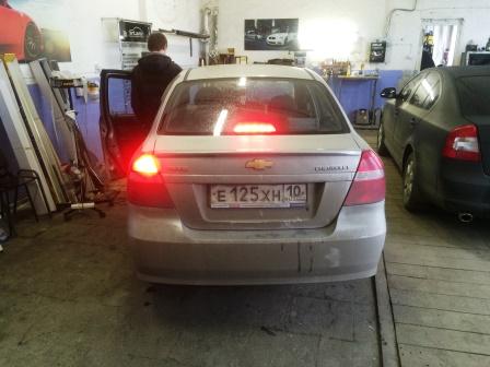 Снятие и замена лампы стоп сигнала Chevrolet Aveo T250