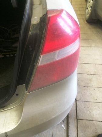Открываем багажник и видим 2 болта Chevrolet Aveo T250