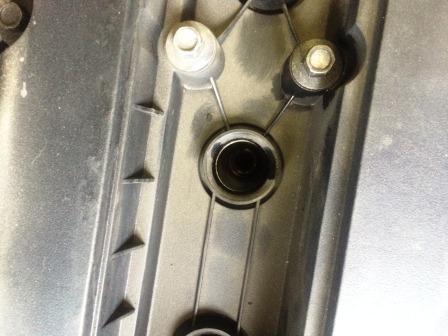 Перед тем как вставить новые свечи проверяем колодцы Chevrolet Aveo T250