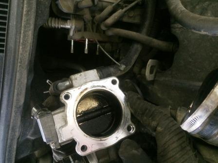 Снимаем дроссельную заслонку Chevrolet Aveo T250