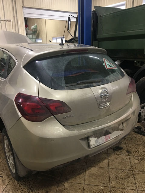 Замена кнопки багажника Opel Astra J
