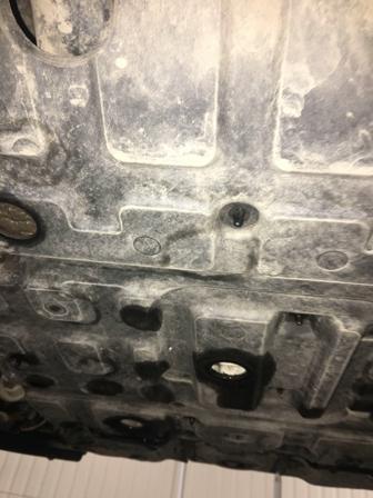 Снимаем защиту двигателя Toyota Land Cruiser 200
