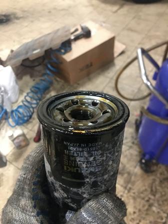 Замена масляного фильтра и масла в двигателе