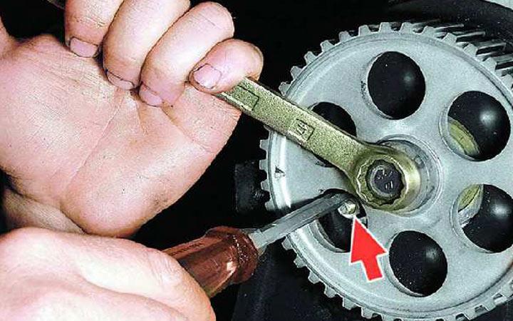 Демонтаж для замены помпы на ВАЗ 2113, 2114, 2115 ремонт авто своими руками