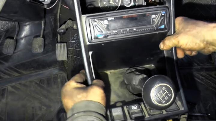 Демонтаж радиатора печки на ВАЗ 2107
