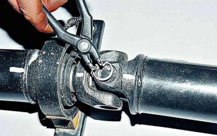 Пошаговая инструкция замены крестовины кардана на ВАЗ 2107