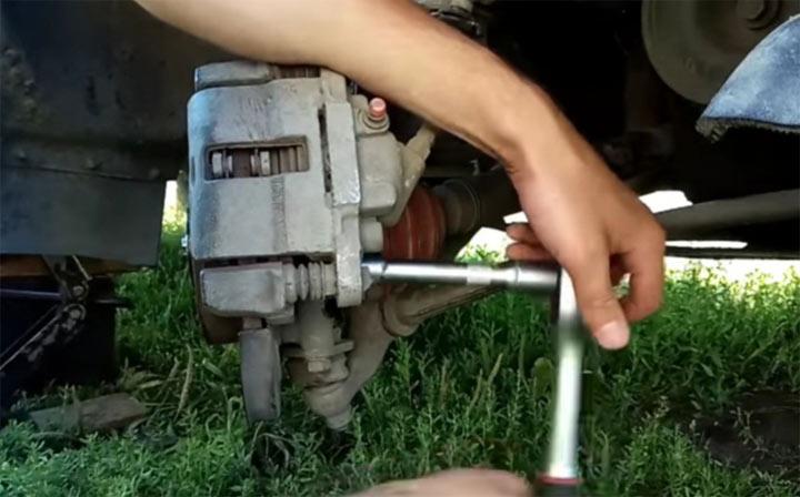 Замена переднего ступичного подшипника на автомобилях ВАЗ 2113, 2114, 2115 советы мастера