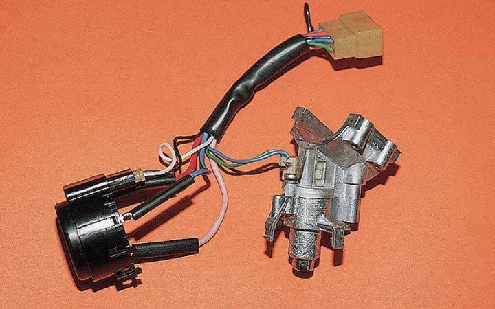 Пошаговая фото и видеоинструкция замены замка зажигания ВАЗ 2110, 2111, 2112