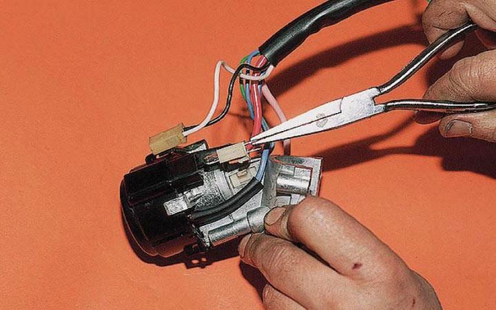 Как заменить замок зажигания на ВАЗ модели 2110, 2111, 2112