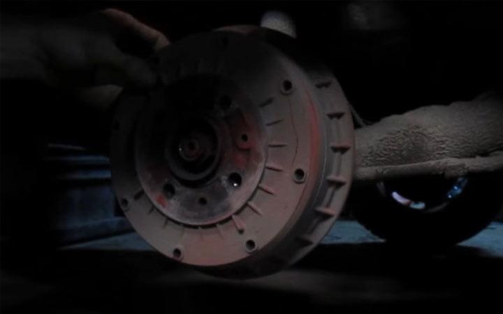 Пошаговая инструкция замены задних тормозных колодок ВАЗ 2113, 2114, 2115