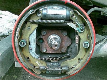 Замена задних тормозных колодок ВАЗ 2110, 2111, 2112