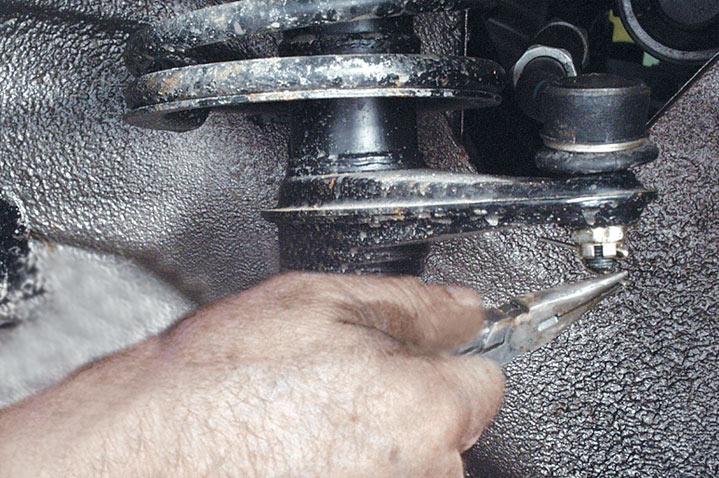 Демонтаж рулевой рейки на ВАЗ 2113, 2114, 2115