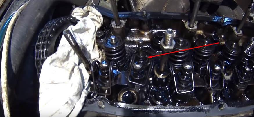 Все о замене маслосъемных колпачков ВАЗ 2107