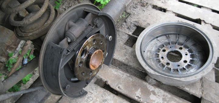 Инструкция по замене тормозных колодок на ВАЗ 2107 фото и видео работ