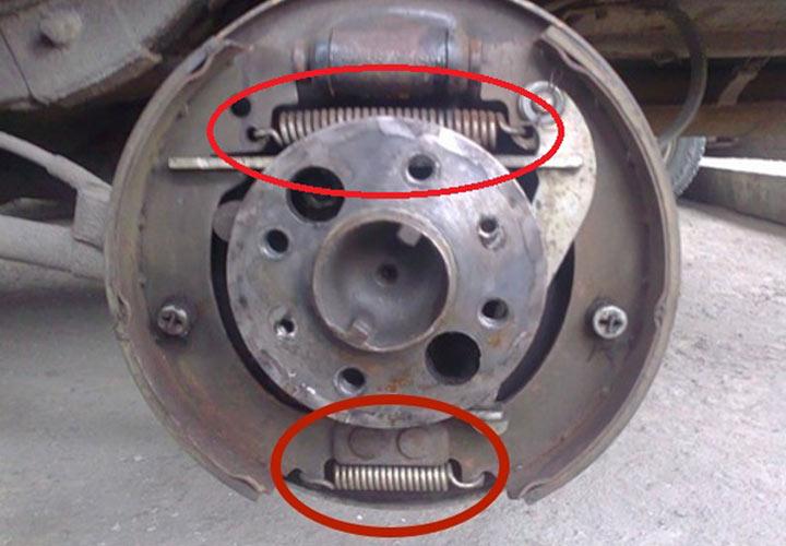 Инструкция по замене задних тормозов на ВАЗ 2107