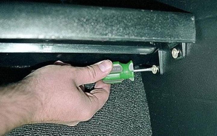 Пошаговая инструкция замены вентилятора печки на ВАЗ 2107