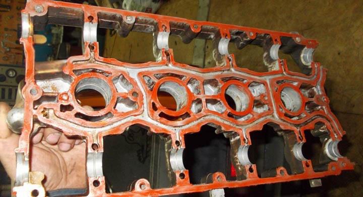 Места нанесения герметика на плиту распредвалов ВАЗ 2110, 2111, 2112 16 клапанов