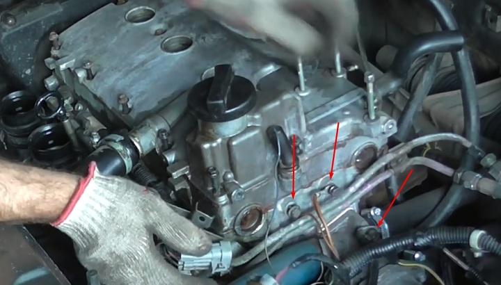 Провода массы на головке блока цилиндров ВАЗ 2110, 2111, 2112 16 клапанов
