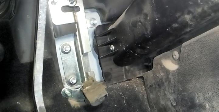 Снятие педали газа Лада Гранта
