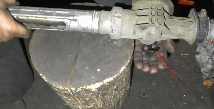 Разборка рулевой рейки ВАЗ 2110