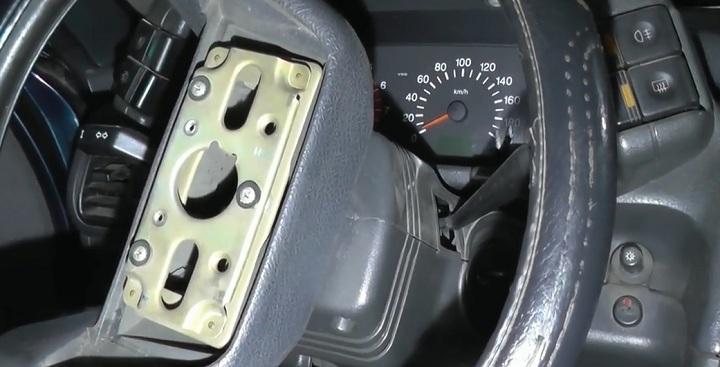 Демонтаж руля ВАЗ 2110 своими руками