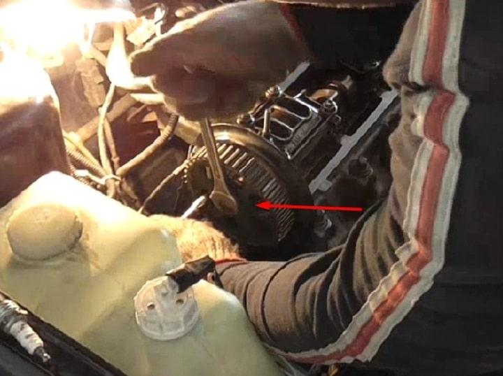 Как выполнить замену маслосъемных колпачков ВАЗ 2108, 2109, 21099 своими руками
