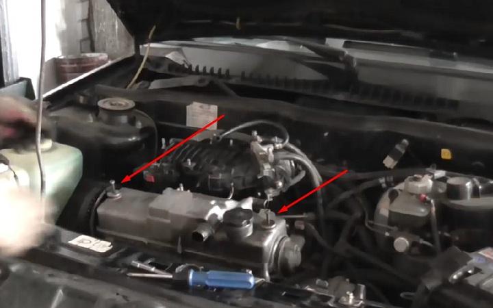 Демонтаж клапанной крышки ВАЗ 2108, 2109, 21099
