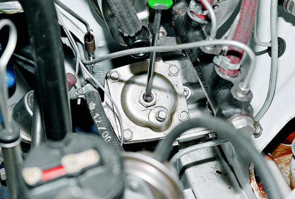 Все о том, как выполнить замену рулевого редуктора ВАЗ 2107