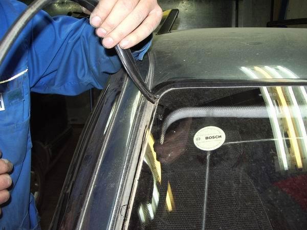 Как заменить лобовое стекло на ВАЗ 2110, 2111, 2112 своими руками
