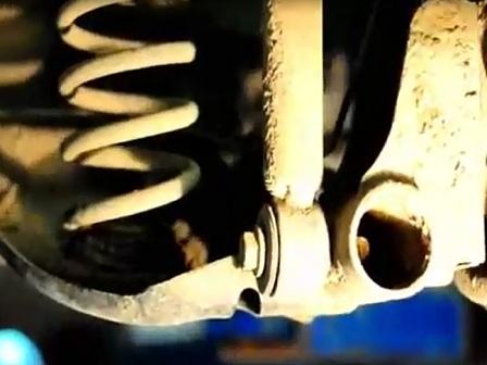Замена задних амортизаторов Renault Logan