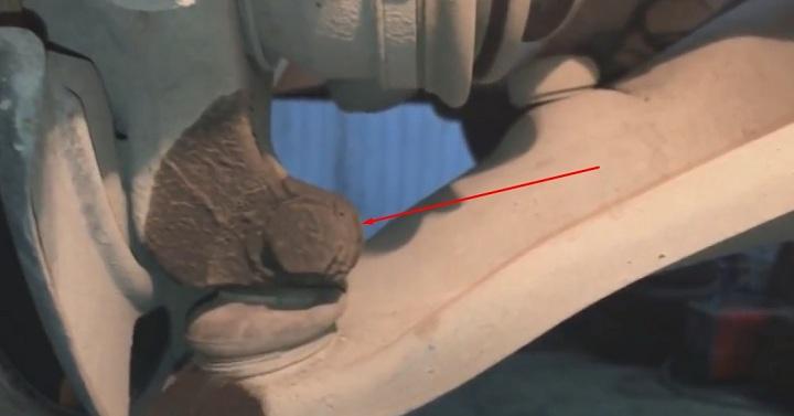 Болт крепежа шаровой опоры Рено Логан