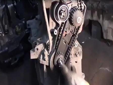 Замена ГРМ на Renault Logan