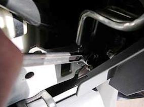 Откручиваем панель торпеды Honda CRV II