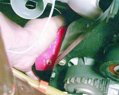Вкручиваем новый масляный фильтр ВАЗ 2108, 2109, 21099