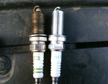 Старая и новая свеча Citroen C4