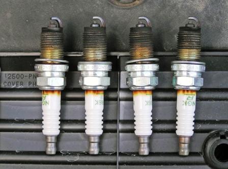 Выкручиваем старые свечи Honda CR-V II