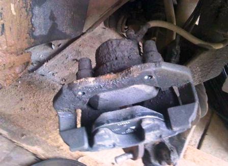 Ставим новые тормозные диски Ford Focus 2