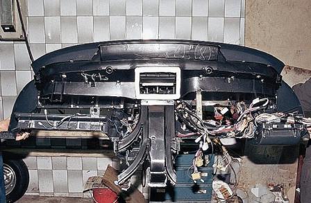 Снимаем торпеду ВАЗ 2110,