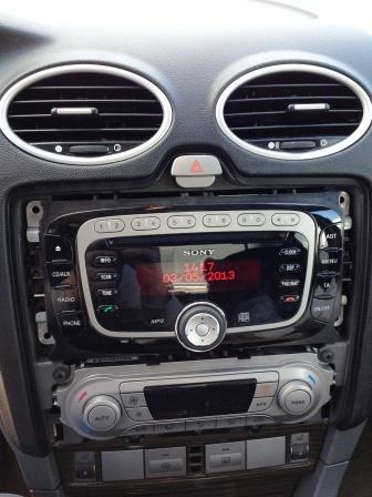 Вставляем новую магнитолу Ford Focus 2