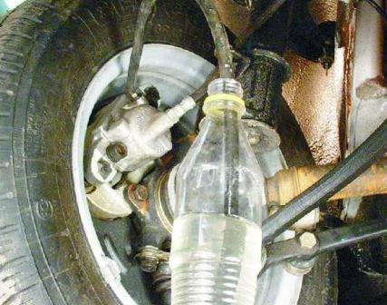 Откручиваем клапан на половину ВАЗ 2108, 2109, 21099