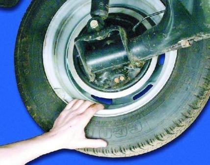 Проверяем работу колес ВАЗ 2108, 2109, 21099