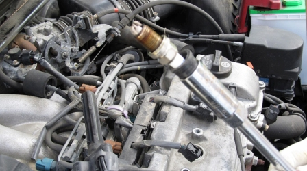Старая свеча зажигания Toyota Camry V 3.0 V6