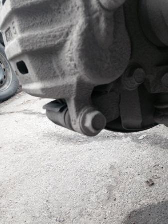 Нижний палец на суппорте Mitsubishi Outlander XL
