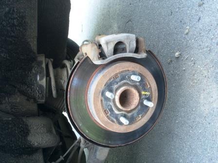 Снятие и замена задних тормозных колодок Kia Rio 3